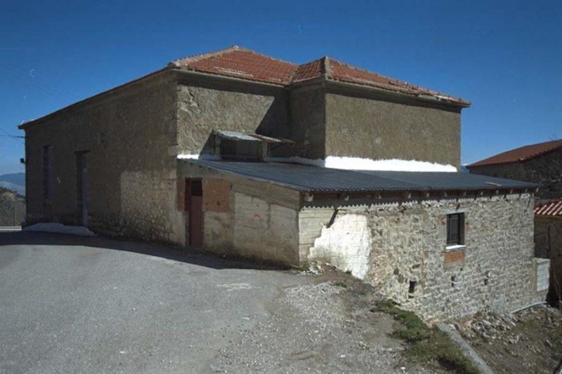 18. Μετατροπη Δημοτικων Σχολειων Καλοσκοπης-Πανουργια Φωκιδας σε Ξενωνες [1999]